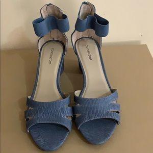 Women's blue snakeskin look sandals size 10M